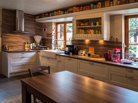 750924-cuisine-moderne-cuisine-rustique-avec-meuble.jpg (960×720 ...