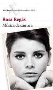 Acompañada por su tía Inés, una viola y una maleta llena de recuerdos, Arcadia vuelve a Barcelona en 1949. Hija de republicanos exiliados, se refugia en su pasión por la música para sobrevivir en el ambiente opresivo de la posguerra