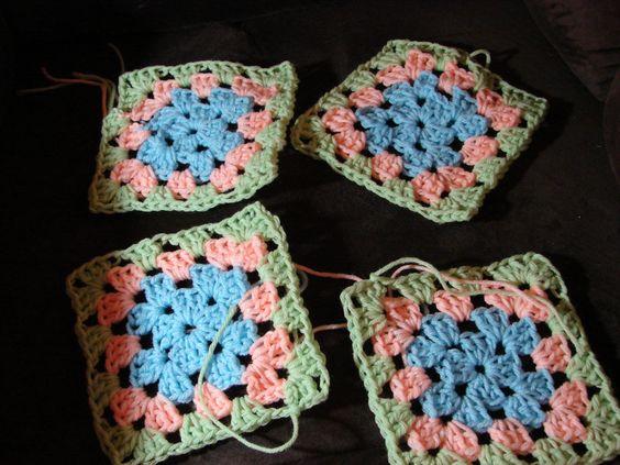 Attaching granny squares diagonally