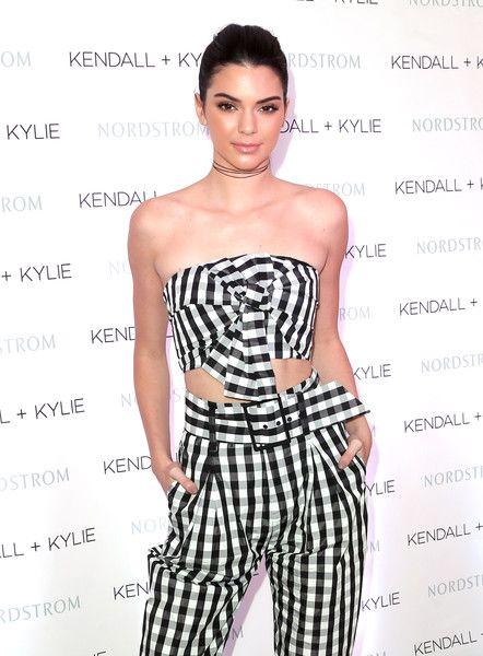 Kendall+Kylie+Jenner+Celebrate+Kendall+Kylie+dYZWT2ihjr5l: