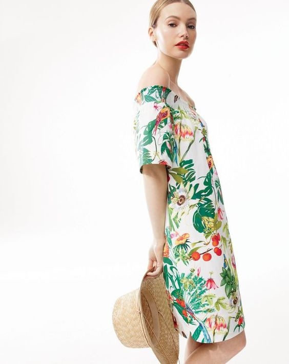 What we do at J.Crew: Ratti® prints. Ever wonder where the world's most amazing prints, scarves and wovens come from? The answer is Ratti (est. 1945), one of the leading producers of fabric for womenswear, furnishing and accessories, located just outside of Como, Italy.: