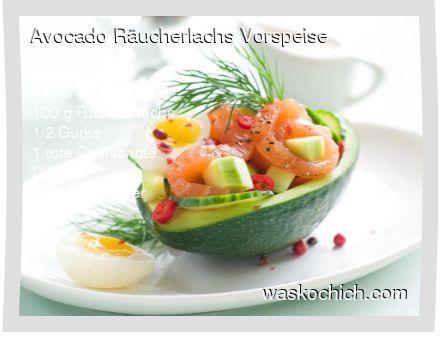 2 Avocados 4 Eier 100 g Räucherlachs 1/2 Gurke 1 rote Chilischote Dill Salz und Pfeffer