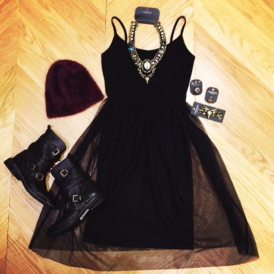 We're outfit prepping for Saturday Night in #vegas - what do you reckon? #topshopusa #personalshopping #ootd #edit