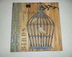 placa de Pinus com recorte de passarinho