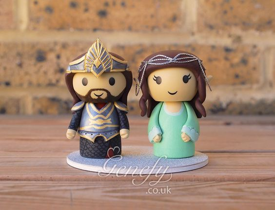 Lord of the Rings Aragorn and Arwen wedding cake topper by GenefyPlayground https://www.facebook.com/genefyplayground:
