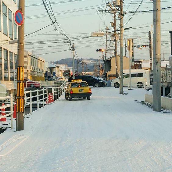 延々と圧雪路面が凍結は少しだけなんでスタッドレスで十分です交換しといてよかった(;