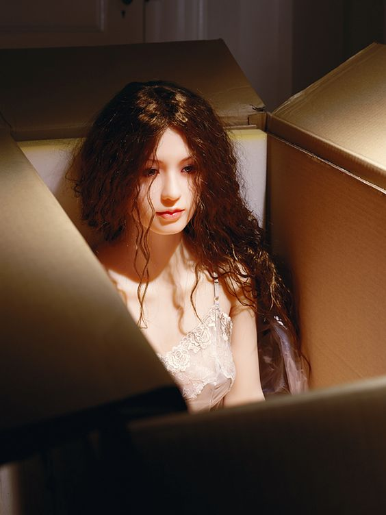 about art: Laurie Simmons - photographyThe Love Dolls