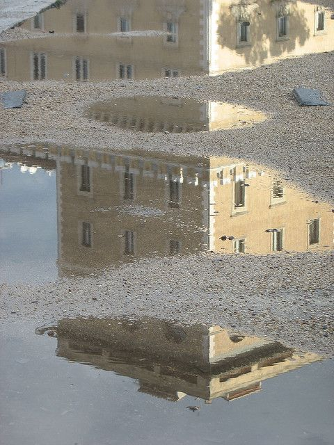 Palazzo in tre by eg65, via Flickr