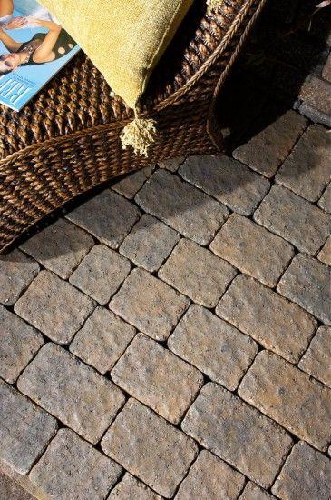 Unilock - Patio with LaRoca paver by Unilock