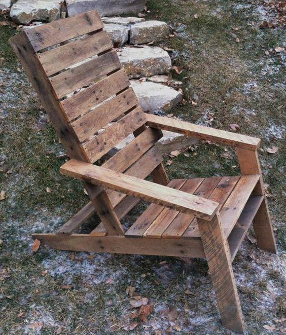Upcycled DIY Pallet Adirondack Chair   Pallet Furniture DIY##