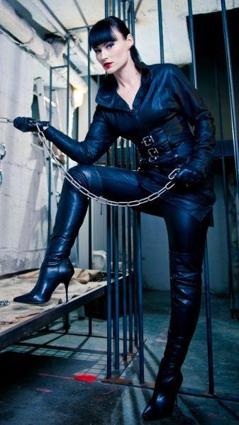 You love your Mistress don't you pet?