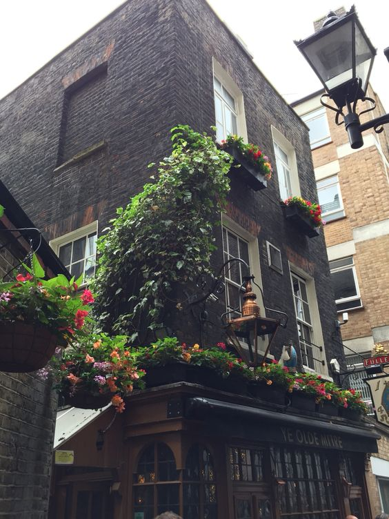 Ye Olde Mitre in London