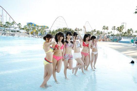プールではしゃぐSKE48のメンバーと大場美奈