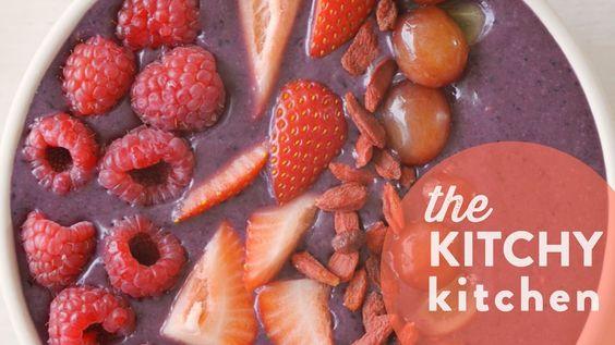 Açai Bowls 5 Ways // The Kitchy Kitchen