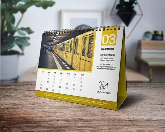 Torus Free Desk Calendar Design Template 2021 Psd Di 2020