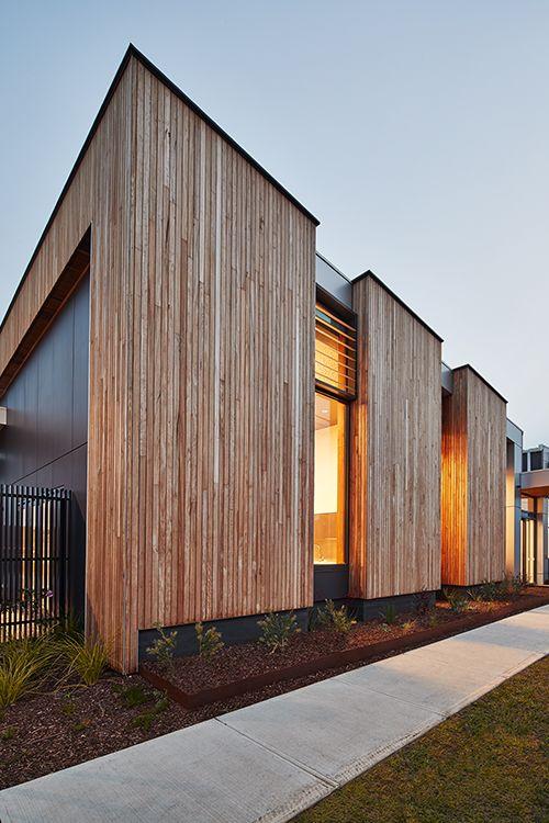 Mckenzie Street Aged Services Centre Designed By K20 Architecture Roof Colorbond Steel Lysaght Klip Lok 70 Architecture Exterior House Cladding House Exterior