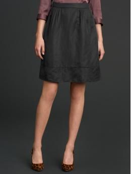More from the Mad Men collection at Banana Republic.... I have some black jacquard fabric that is screaming to become a skirt now.