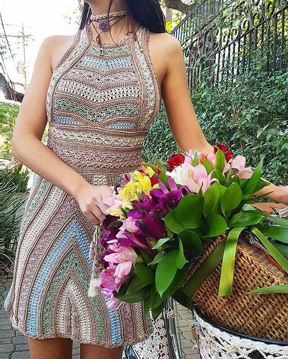 Crochet anyway, everyday ❤❤ #StreetStyle #VanessaMontoroStyle…: