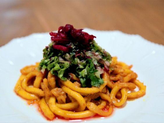 Salada de lula com folhas verdes: receita da Bela Gil para o Bela Cozinha (Foto: Reproduo/GNT)