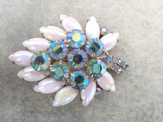 Vintage Signed WEISS Brooch iridescent white cabochons AB566 #Weiss