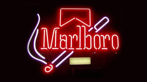 Image via We Heart It #black #cigarette #cigarrette #grunge #malboro #neonlights #red #grungestyle #malboro?