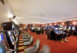 Machines à sous, jeux de table, ... découvrez les jeux d'argent des casinos de la Gironde.