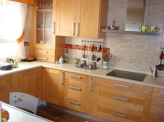 Dise o de cocinas en valdemoro madera teide color especial for Encimeras de madera para cocinas