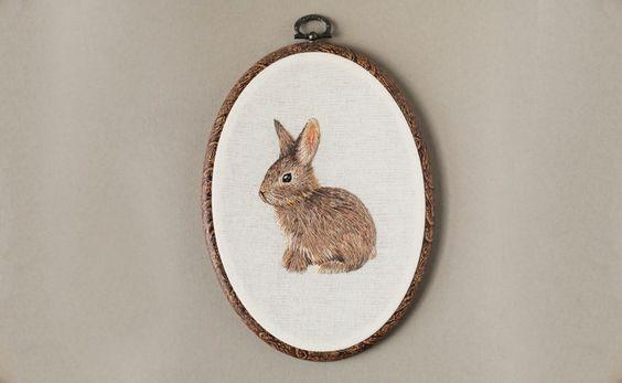 Rabbit Embroidery Oval Hoop Art 7.5 x 5.5 por EmillieFerris en Etsy