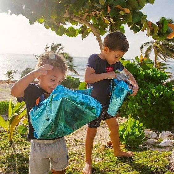 In the #Caribbean Santa leaves gifts under palm trees! #Christmas