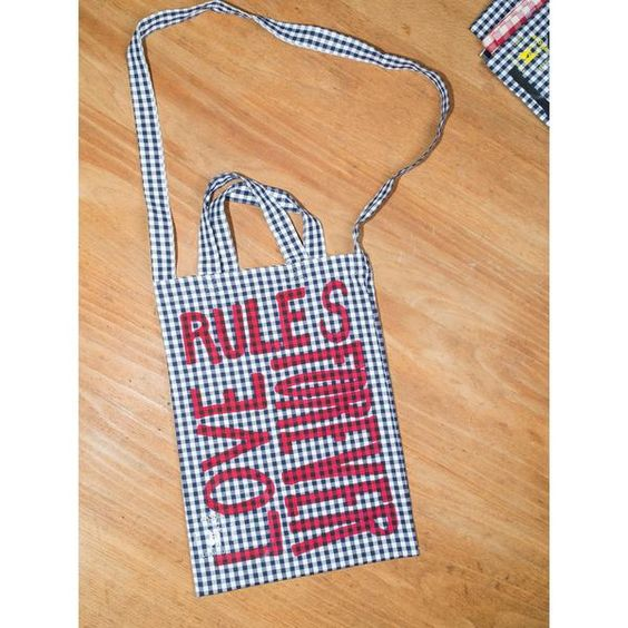 'Love Rules Forever Carry All' kids bag black/red
