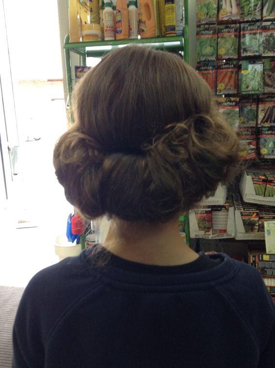 El peinado más fácil y rápido de hacer una cinta de pelo y te lo envuelves chupado