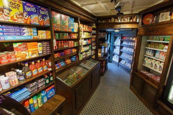 Small grocery store by 1900 39 s small grocery shop 2013 for Small home decor stores