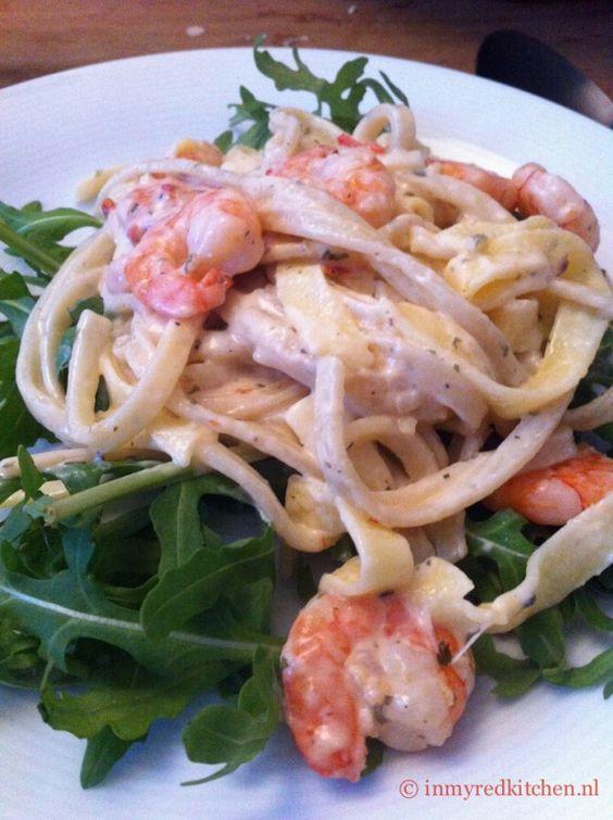 Pasta met romige garnalen, snel klaar, lekker simpel en heerlijk!