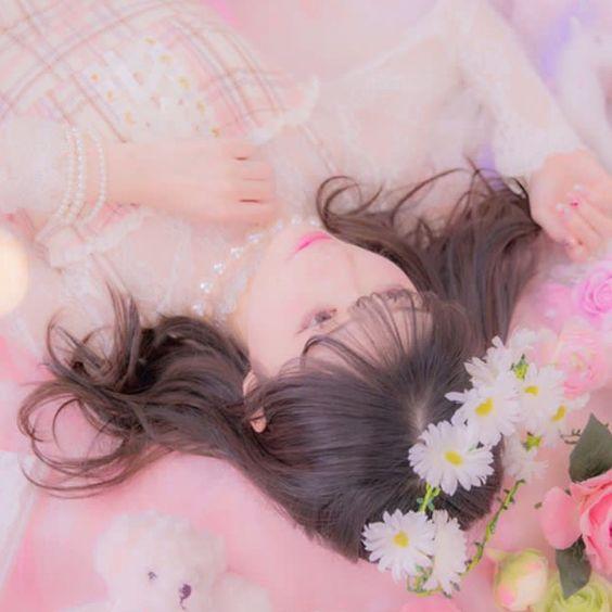 メルヘン礒部花凜
