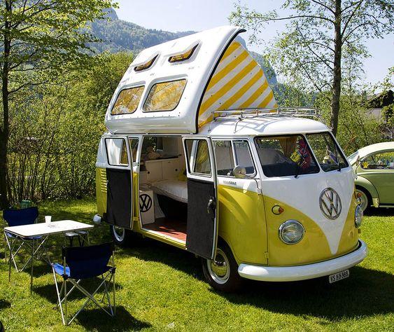 Schönes Exemplar eines der damals für den US-Markt bestimmten VW Dormobile.  VW-Treffen Brienz 2009 (CH)