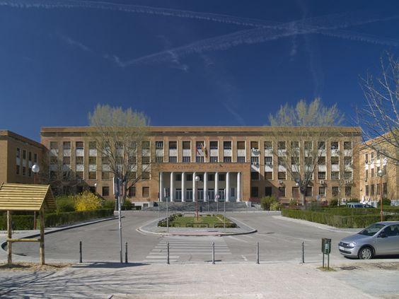 Facultad de farmacia de la universidad complutense for Universidades de arquitectura en espana