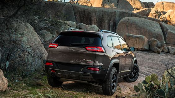 2014 Jeep® Cherokee Trailhawk® Shown In Granite Late Availability