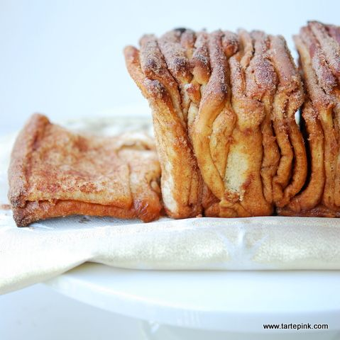 Cinnamon Pull Apart Bread by Tarte Pink as part of the Friday Five - Sugar - Feed Your Soul Too