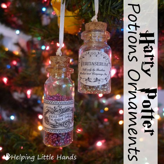 Harry Potter DIY: Potions ornament - cute little bottles of potion to hang on your Christmas tree!