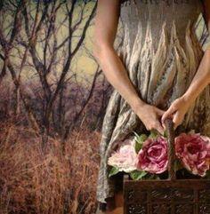 Permita-se cair/murchar como as flores no inverno, para desabrochar na primavera, trazendo o encanto das cores e exalando cheiro de bem querer desse florescer _________ LuA