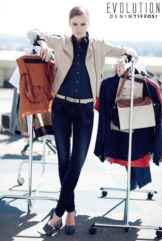 TIFFOSI - Nova Coleção Primavera 2014 #tiffosi #tiffosidenim #newcollection #novacoleção #denim #primavera #spring #newin #woman   Jeans - 29,99€ http://www.tiffosi.com/calcas-de-ganga-blake-skinny-23350.html Blusão - 39,99€ http://www.tiffosi.com/casaco-22041.html Camisa - 29,99€ http://www.tiffosi.com/camisas-l-s-azul-escuro-18863.html
