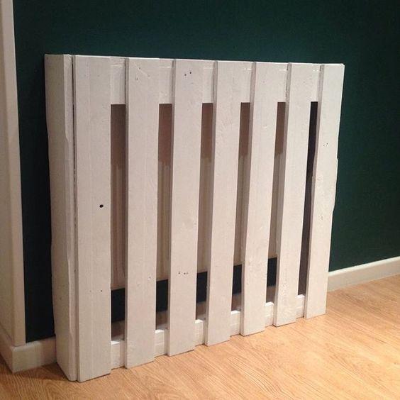 radiator ombouw van pallet gemaakt