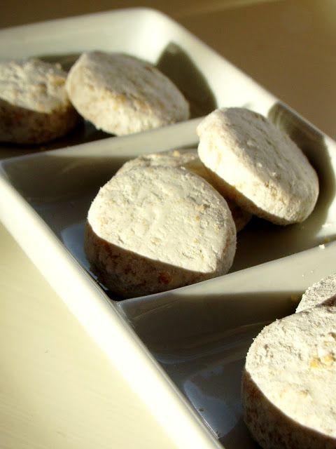 Biscotti alla Cannella LEGGI LA RICETTA ► http://www.dolciricette.org/2012/12/biscotti-alla-cannella-ricetta-semplice.html