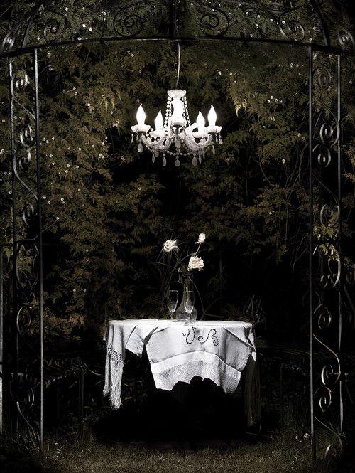 ICE QUEEN Outdoor LED garden chandelier, Mineheart – CultureLabel