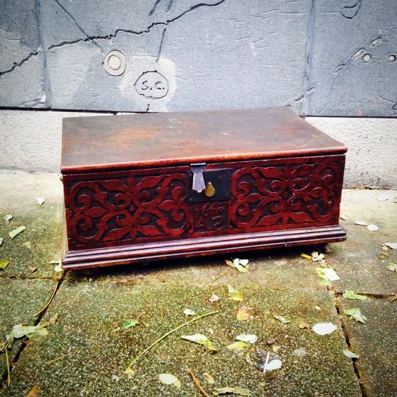 Beautiful carved antique chest dated 1647