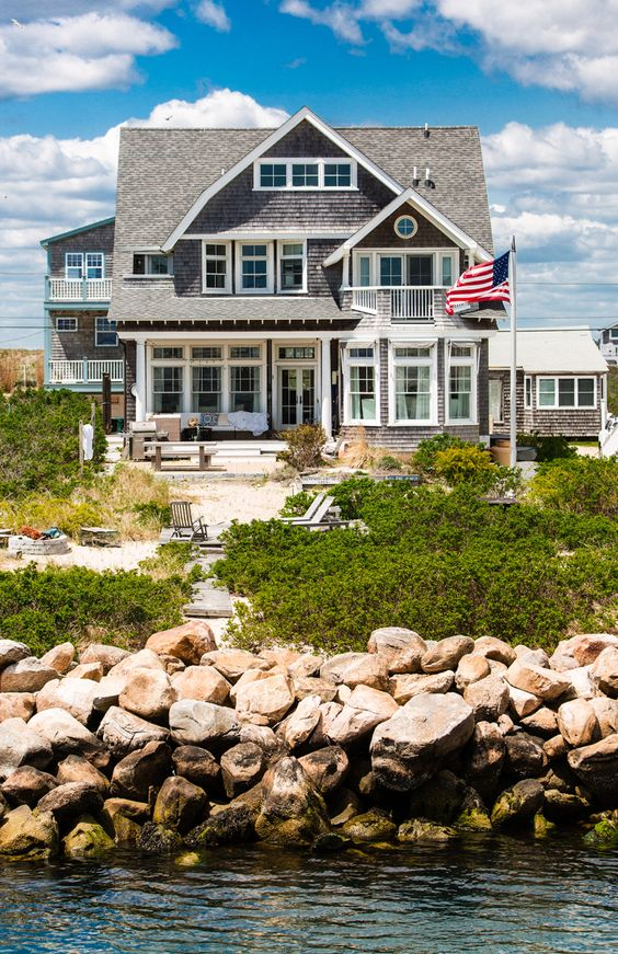 Beaches nantucket and cottages on pinterest for Nantucket style house