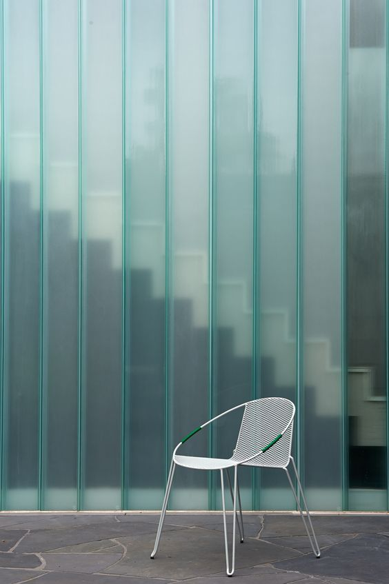 Three Pwarts House / Architects EAT | Metal White Chair | Desing | U-glass Material |