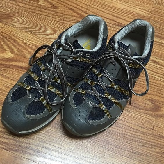 Men's Montrail hiking shoes Men's Montrail hiking shoes in very good condition, only worn a few times. Montrail Shoes Athletic Shoes