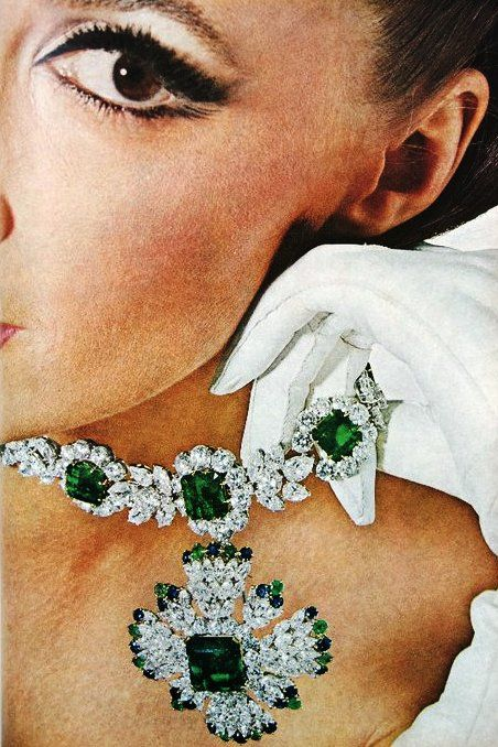 Vogue US June 1964  Wilhelmina photographed by Irving Penn