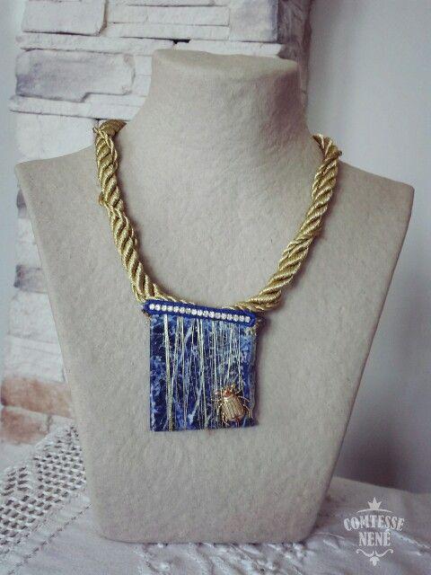 Collar hecho a mano con LAPISLÁZULI, swaroskys y ristra de malaquitas azules. Hand made by www.comtessenene.com  #EtcheanEgina #BasqueCountry #ArtEmporte #ComtesseNené #LemitedEdition #Inspiración #Tesoros #CoteBasque #Collares #Egipto #MagicStones